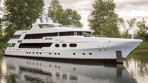 christensen yachts set  open  shipyard  tennessee