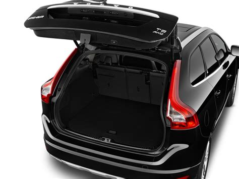 image  volvo xc  fwd inscription trunk size