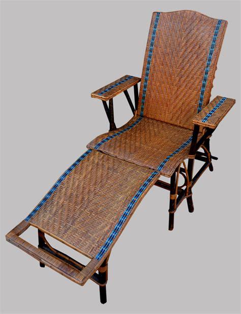 chaise longue rotin ancienne chaise longue ancienne en rotin avec repose pieds de la