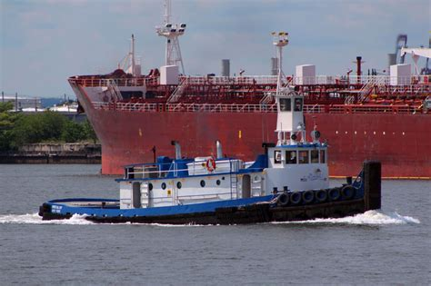 Tugboat New Orleans by Tugboat Information