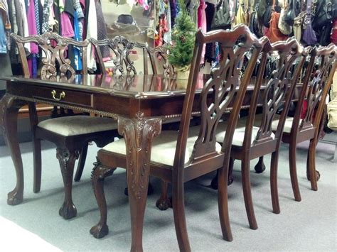 this stoneleigh chippendale style mahogany dining table