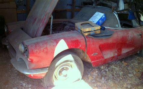 fuelie wannabe  corvette barn find