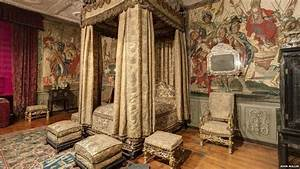 Medieval Royal Bedroom - Adrogues.com | Chateau Mon Coeur ...