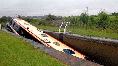 Boat Trailer Winch Auto Lock by Narrowboat Wedged On Canal Lock Telegraph