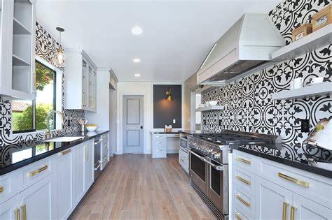 papier peint intiss pour cuisine tapisserie de cuisine moderne cuisine tapisserie cuisine