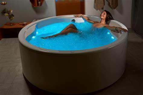 aquatica allegra wht freestanding hydrorelax pro jetted
