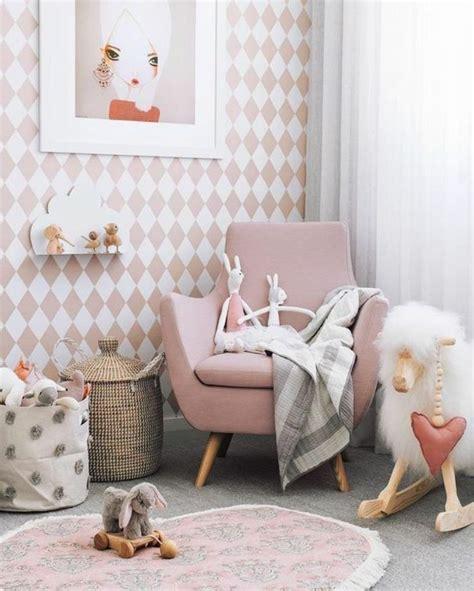 Du willst für dein mädchen ein babyzimmer einrichten und bist auf der suche nach besonderen ideen und tipps. 1001+ Ideen für Babyzimmer Mädchen   Sessel kinderzimmer ...