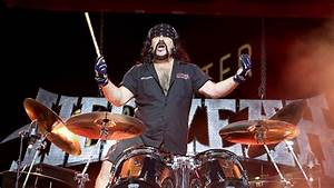 "Vinnie Paul: ""I'm Beyond Pantera and Happy With Hellyeah"""