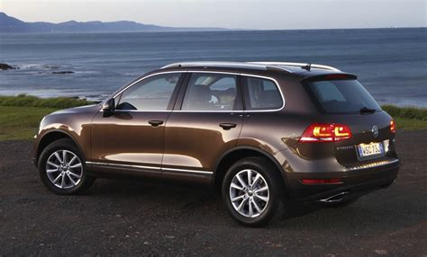vw diesel update volkswagen touareg goes diesel only for 2013 update photos caradvice