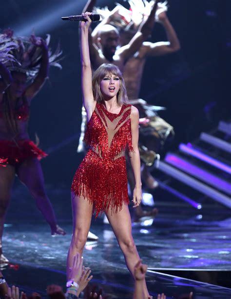 The world's biggest pop star returns to Omaha | Music ...