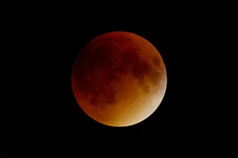 full moon combines  lunar eclipse supermoon  blue moon