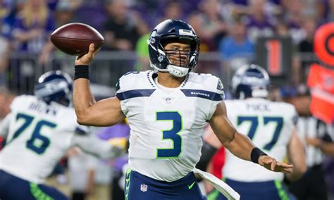 seattle seahawks offensive  finally finding  identity