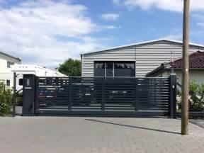Garagentor Elektrisch Mit Einbau : elektrische garagentore mit einbau elektrische garagentore sicherheit und luxus elektrische ~ Orissabook.com Haus und Dekorationen