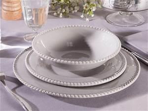 Service De Table 18 Pièces : une assiette un service de table pour chaque occasion ~ Teatrodelosmanantiales.com Idées de Décoration