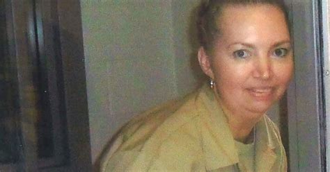 US court stays female inmate's execution, cites mental ...