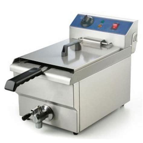 tablier et toque de cuisine friteuse professionnelle électrique 380 volts 6 kw