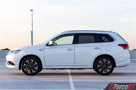 mitsubishi outlander phev review forcegtcom