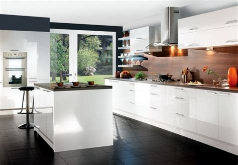 Modern High Gloss Kitchen In White Black Gray And Red Living Rooms Sectional Couch Room Ideas How To Divide A Large Paint Colors For Accent Wall Paula Deen Furniture Collection Sofas Best Speakers