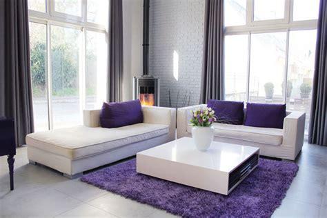 Living Room Curtain Ideas Grey Sofa by Un Salon Violet Dans Un Loft