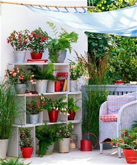 jardines en espacios reducidos macetas materiales