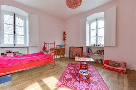 surface d une chambre hôtel particulier situé dans la région parisienne