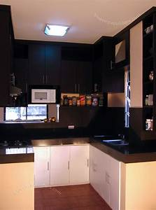 Space decorating ideas for small kitchens cabinets for for Kitchen design for small areas