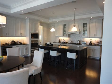 tile vs hardwood in kitchen hardwood flooring vs tile in the kitchen 8508