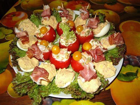recette de cuisine froide cuisine entrã e froide et rapide tomates farcies macã doine et oeufs recettes entrées froides