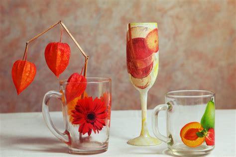 decorare bicchieri di vetro la tecnica facilissima e le idee creative da non perdere
