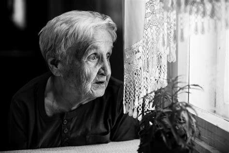 Alzheimer disease (ad) is a chronic neurodegenerative disease and the leading cause of dementia. Alzheimer's disease: neuronal loss very limited   Newsroom ...