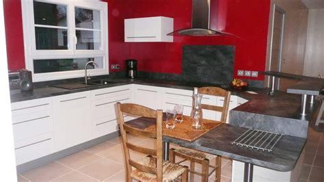 cuisine ardoise une cuisine modernisée grâce à un ensemble de meubles sur