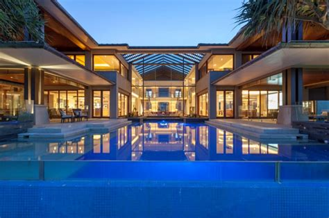 tidemark  luxurious beachfront mansion  queensland