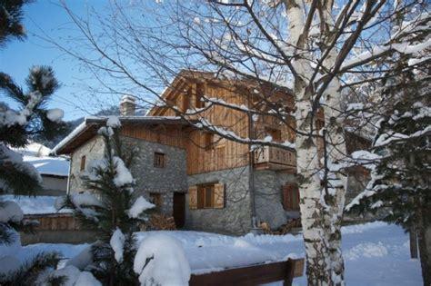 chalet pied des pistes pyrenees location chalet individuel chalet la cordee au pied des pistes avec sauna la plagne 3037