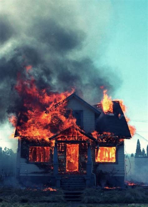 Miss Maudie's house catches on fire. Everyone gathers up ...
