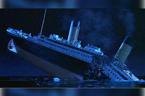 iceberg sink  titanic  journalists
