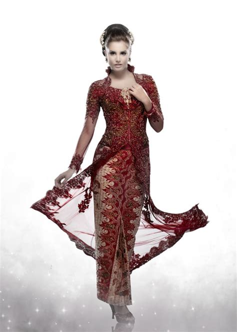 mignonesia kebaya  indonesian women traditional costume