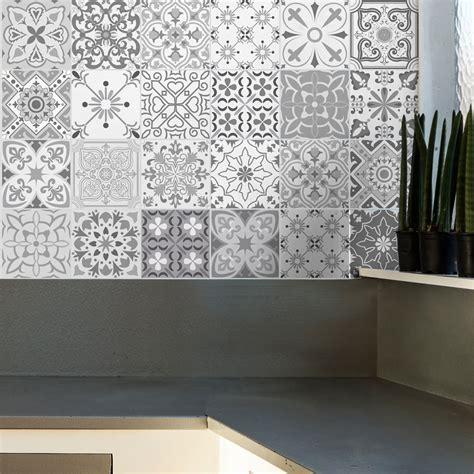sticker carrelage cuisine 24 stickers carreaux de ciment nuances de gris gythio