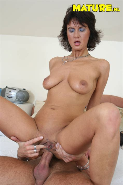 petite milf rides on a big phat boner pichunter