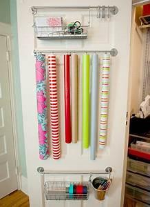 Geschenkpapier Organizer Ikea : 25 simple ways to tackle the messiest chore of the holidays jillee craft group ~ Eleganceandgraceweddings.com Haus und Dekorationen