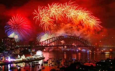 spectacular  years eve celebrations   world