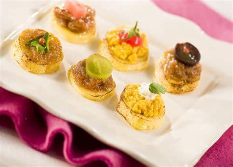 recettes canap originaux recette canapés de quenelles et confit d 39 oignon