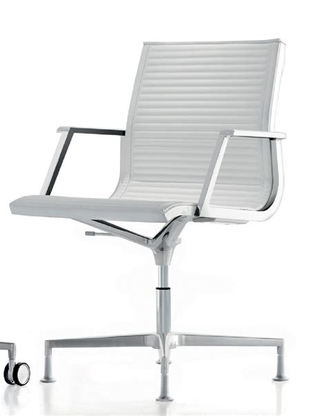 pied bureau fauteuil bureau nulite pied fixe pivotant en cuir à accoudoirs
