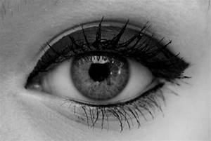 cat eye eyeliner on Tumblr