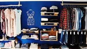 Regalsystem Begehbarer Kleiderschrank : begehbarer kleiderschrank aus paletten weinkisten bauen ~ Sanjose-hotels-ca.com Haus und Dekorationen