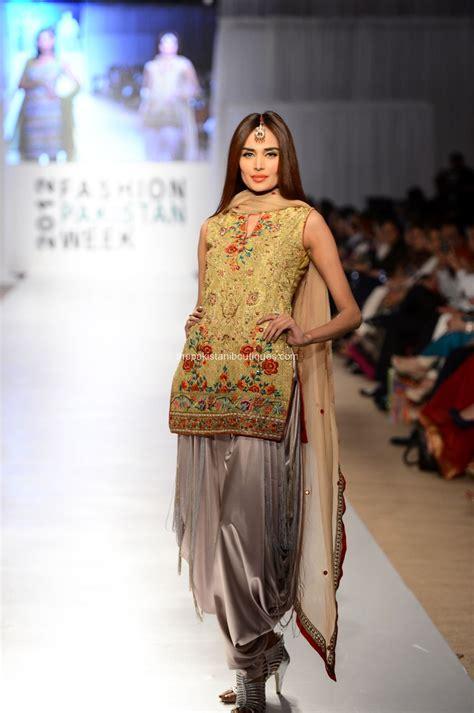 nargis hafeez collection at fashion pakistan week 2012
