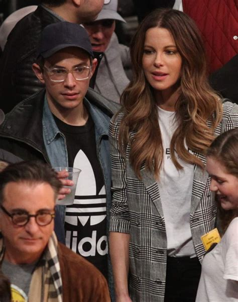 kate beckinsale la lakers   cleveland cavaliers