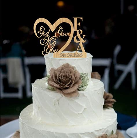 wedding cake topper with personalized custom personalized wedding cake topper wedding cake