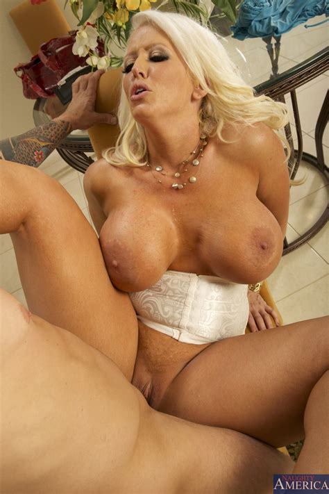 Big Titted Blonde Woman Got Nailed Photos Alura Jenson Milf Fox