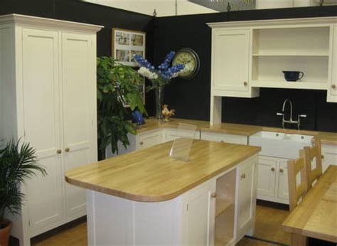 Ex display Free standing Cream Painted Beech Kitchen