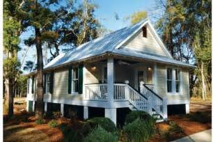 small cottage plans with porches cottage style house plan 3 beds 2 baths 1025 sq ft plan 536 3